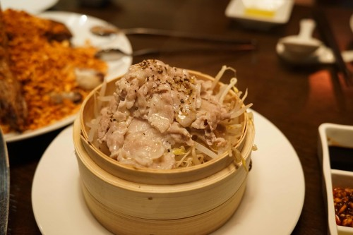 矢場CHINA (ヤバチャイナ)もやしと豚肉のせいろ蒸し