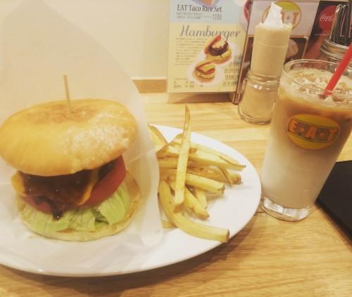 チーズバーガーセット1600円
