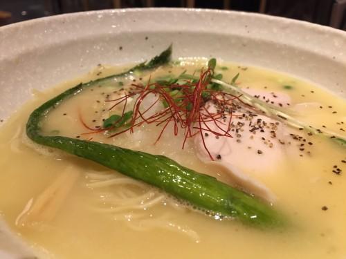 鶏白湯ラーメン2