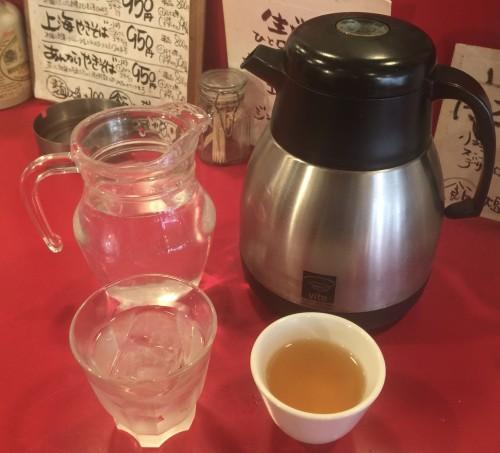 お水とお茶の湯呑み