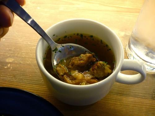 ロっトロの牛スジがいっぱい入ったスープ