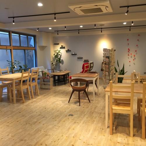 Cafe + Letter 杏(あん) 店内