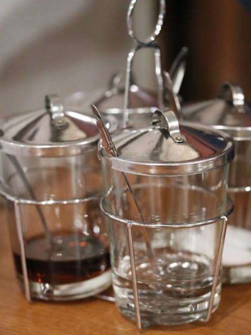 酒とタイ料理 ピッサヌローク テーブル