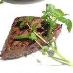名駅/国際センター|外堀通りにある国産黒毛和牛の熟成肉に舌鼓