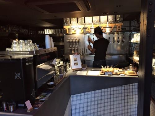 TRUNK COFFEE & CRAFT BEER(トランクコーヒー アンド クラフトビア) 店内