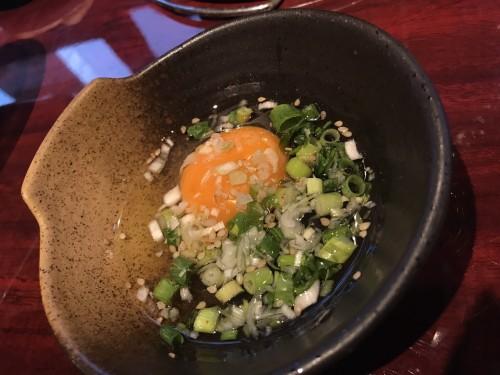 ネギと名古屋コーチンの卵をからめて