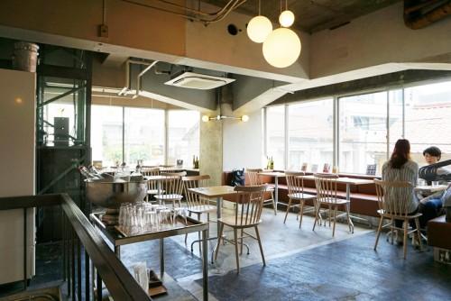 ヌーク アンド クラニー(NOOK & CRANNY)2階席