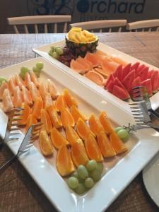 矢場町駅近く、フレッシュなフルーツと野菜が食べ放題のカフェ