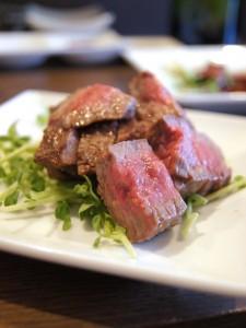 中区栄の錦通りにある、予約困難で有名な赤身肉専門店