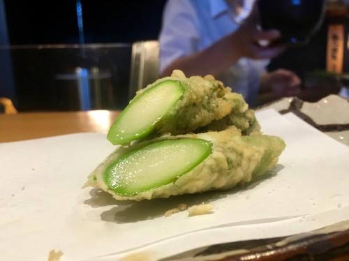 割烹・天ぷら よこい アスパラの天ぷら