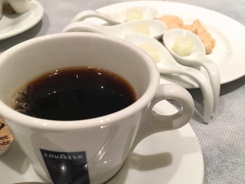 エノタヴォラ ダ ニコ (Enotavola da NICO)コーヒーと小菓子