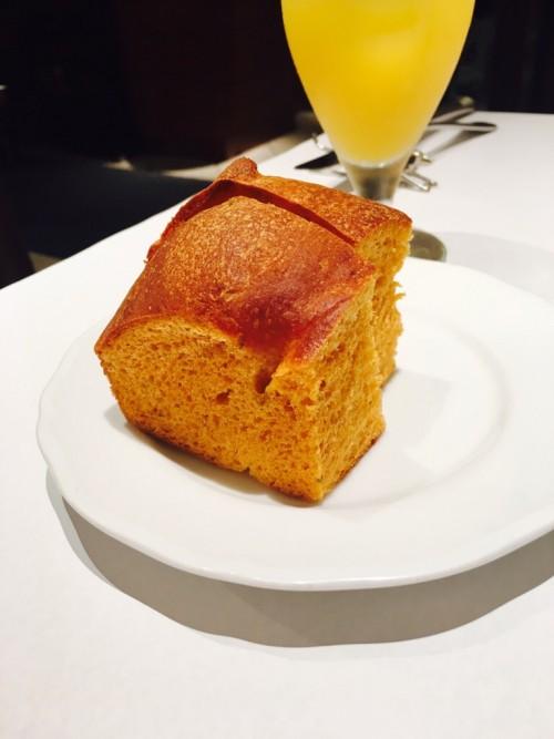 Avanti K(アヴァンティ K)パンはトマトのフォカッチャ