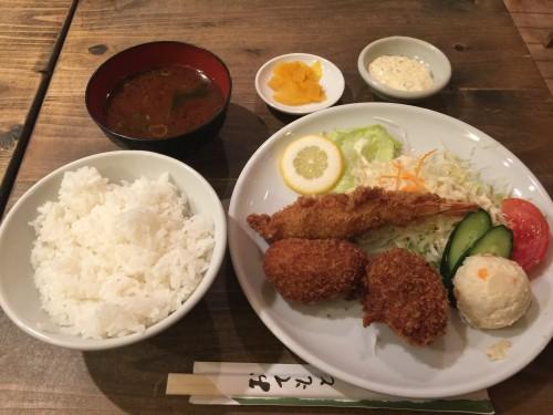 ズワイガニカニクリームコロッケと海老フライのコンビネーション定食