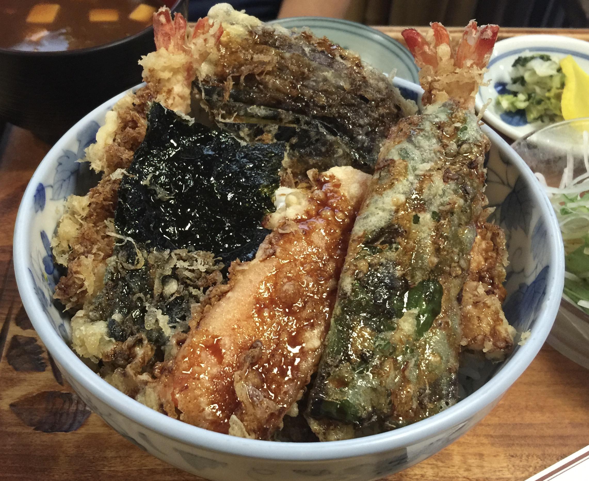 西区・浄心の老舗天ぷら店でお昼メニューの天ぷら弁当を