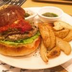 【覚王山】おしゃれタウンでいただく、おしゃれハンバーガー