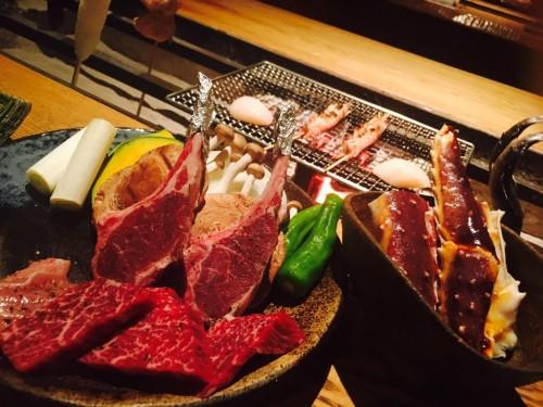 黒毛和牛、ラム肉、名古屋コーチン、ネギ、かぼちゃ、しめじ、玉ねぎ、ししとう