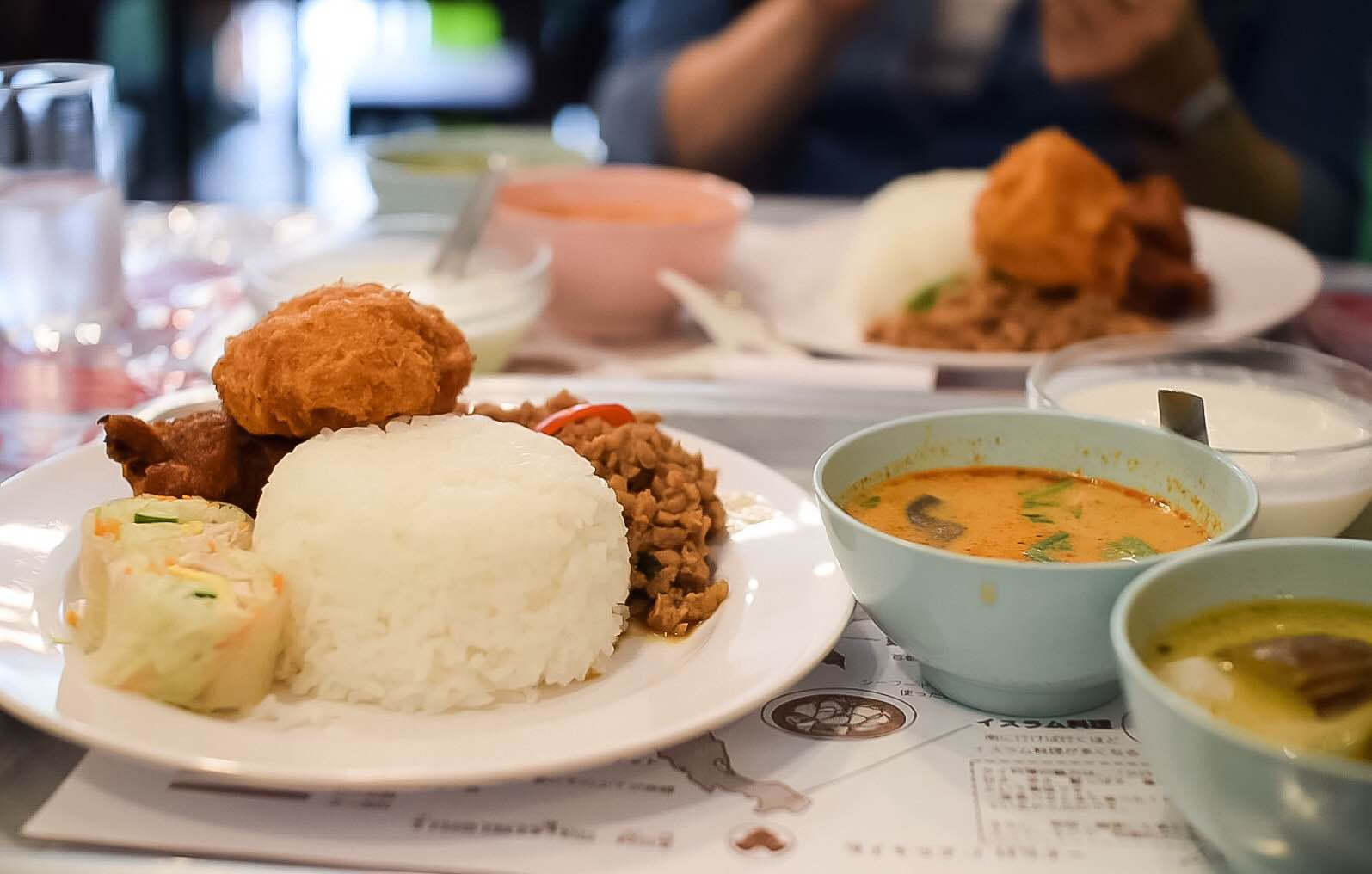 高岳駅から徒歩5分 異国を感じるタイ料理
