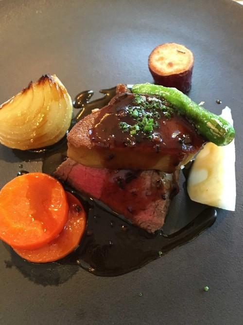 和牛フィレ肉のステーキと  フォアグラのロッシーニ風