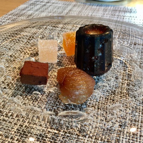 ミニカヌレ、マロングラッセ、アールグレイのチョコレート