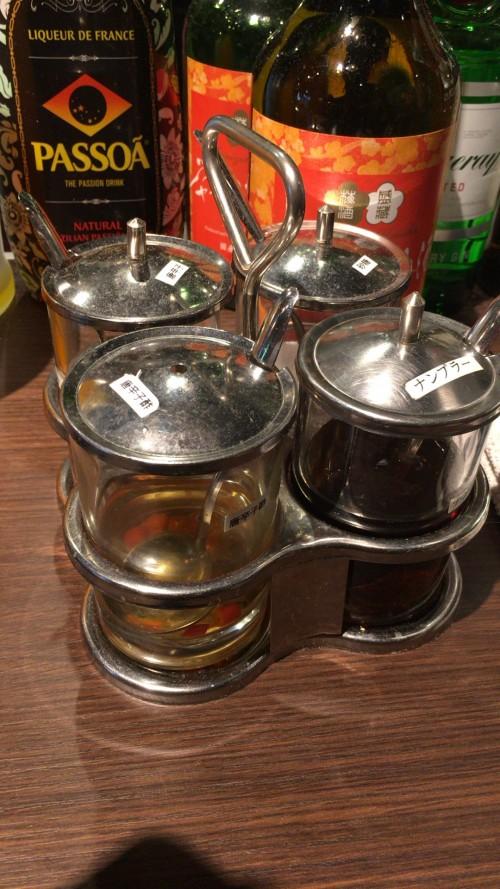 唐辛子酢やナンプラーなどタイの調味料
