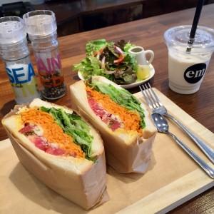 千種区本山|自然食材使用のコールドプレスジューススタンド!スムージーや具沢山サンドイッチもあり話題のジュースクレンズプログラムも!!