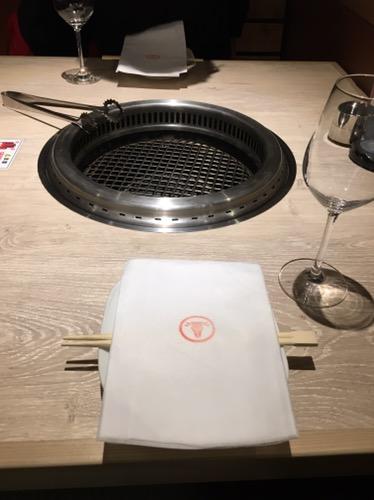 焼肉おしわら テーブル