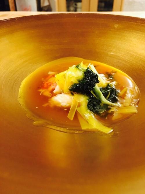 ズワイガニと黄ニラのスープ