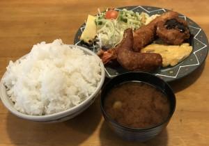 吹上|ジャンボエビフライが有名の洋食店で名古屋名物を満喫できる定食を!