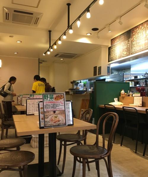 スターカリー&カフェ(STARR CURRY AND CAFE)テーブル席