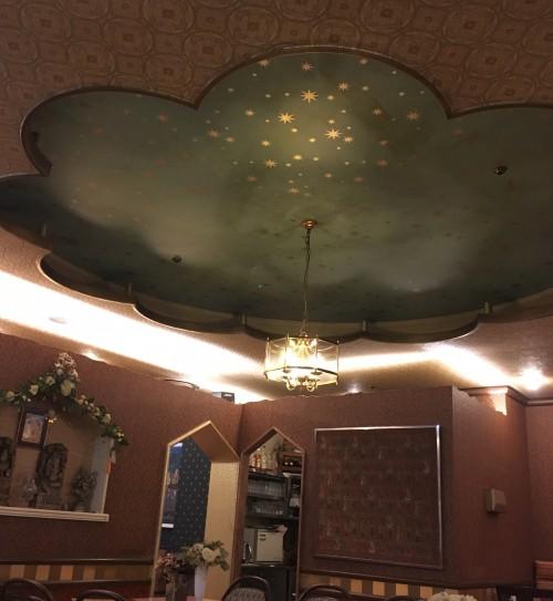 アクバル(AKBAR) 天井