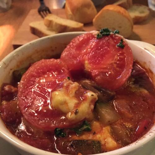 とろけるモッツァレラのトマトスープパスタ