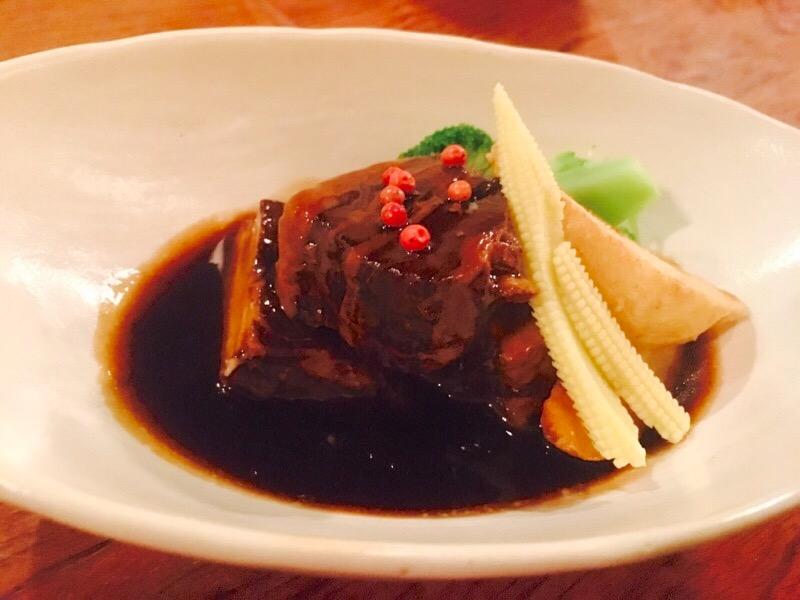 高岳 クセになるおいしさ!魅惑のアジアンフードが味わえるシンガポール料理店