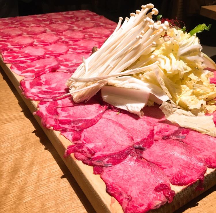 中区/栄|噂のフォトジェニックな肉のじゅうたん
