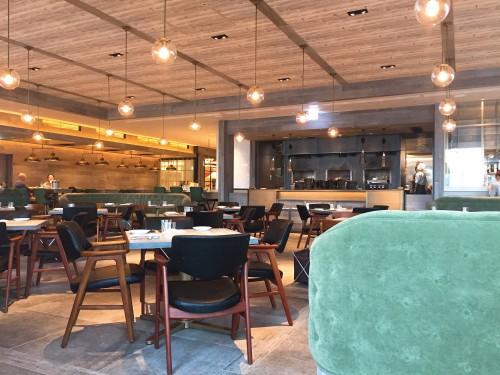 Johnnie's   Brasserie(ジョニーズブラッセリー) 店内