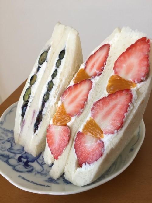 イチゴ小倉サンド