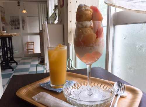 桃のパフェ