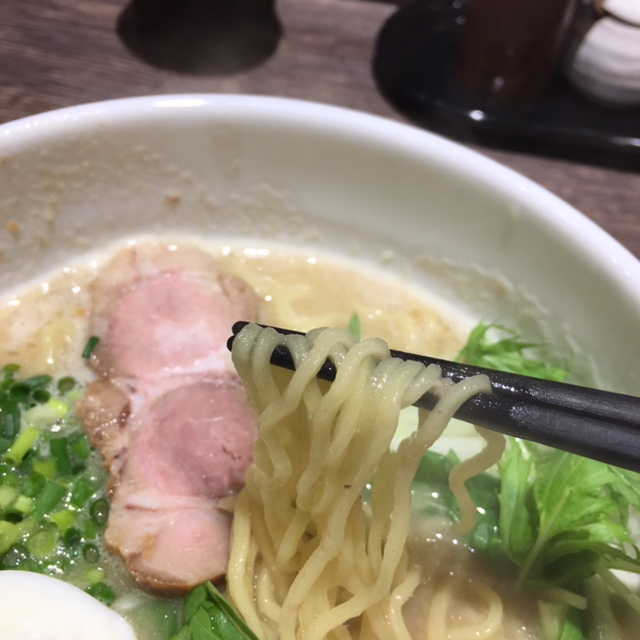 東区|専門店もびっくり?お弁当屋さんで夜だけ食べられる濃厚鶏白湯ラーメン!