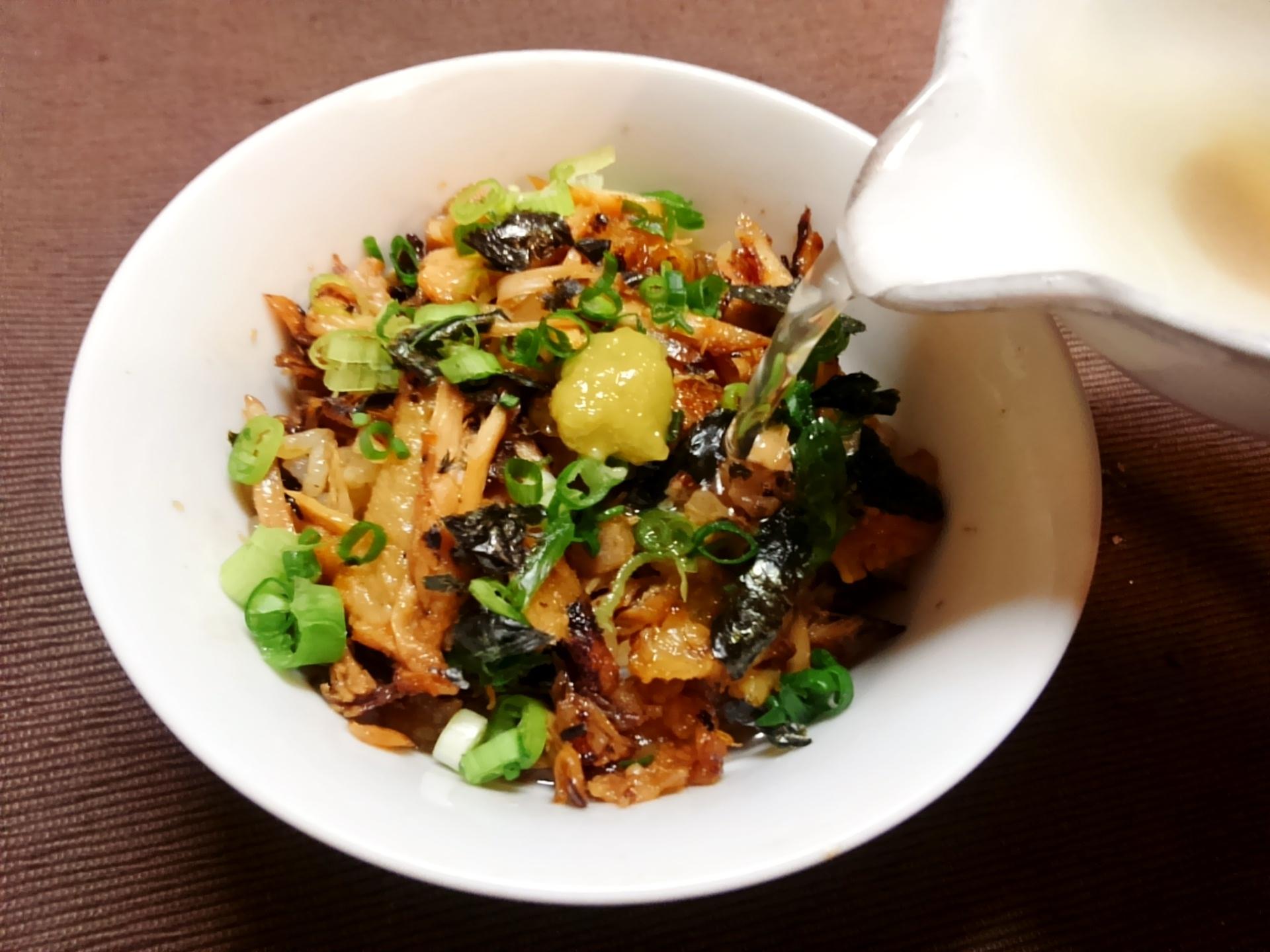 レシピ|アノ高級名古屋めしが2人前500円で出来ちゃう!?「鶏手羽先deひつまぶし」