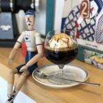 国際センター|オシャレな空間でコーヒーを愉しめるコーヒースタンド!
