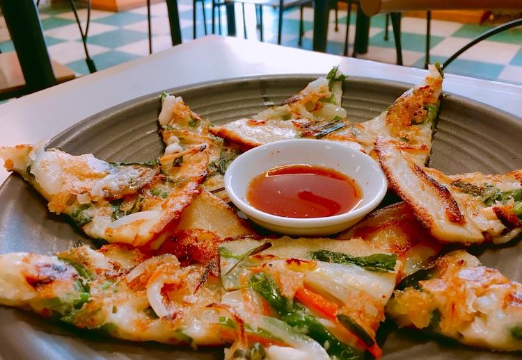 矢場町|韓国料理好きには堪らない!?名物の手打ち麺が絶品!
