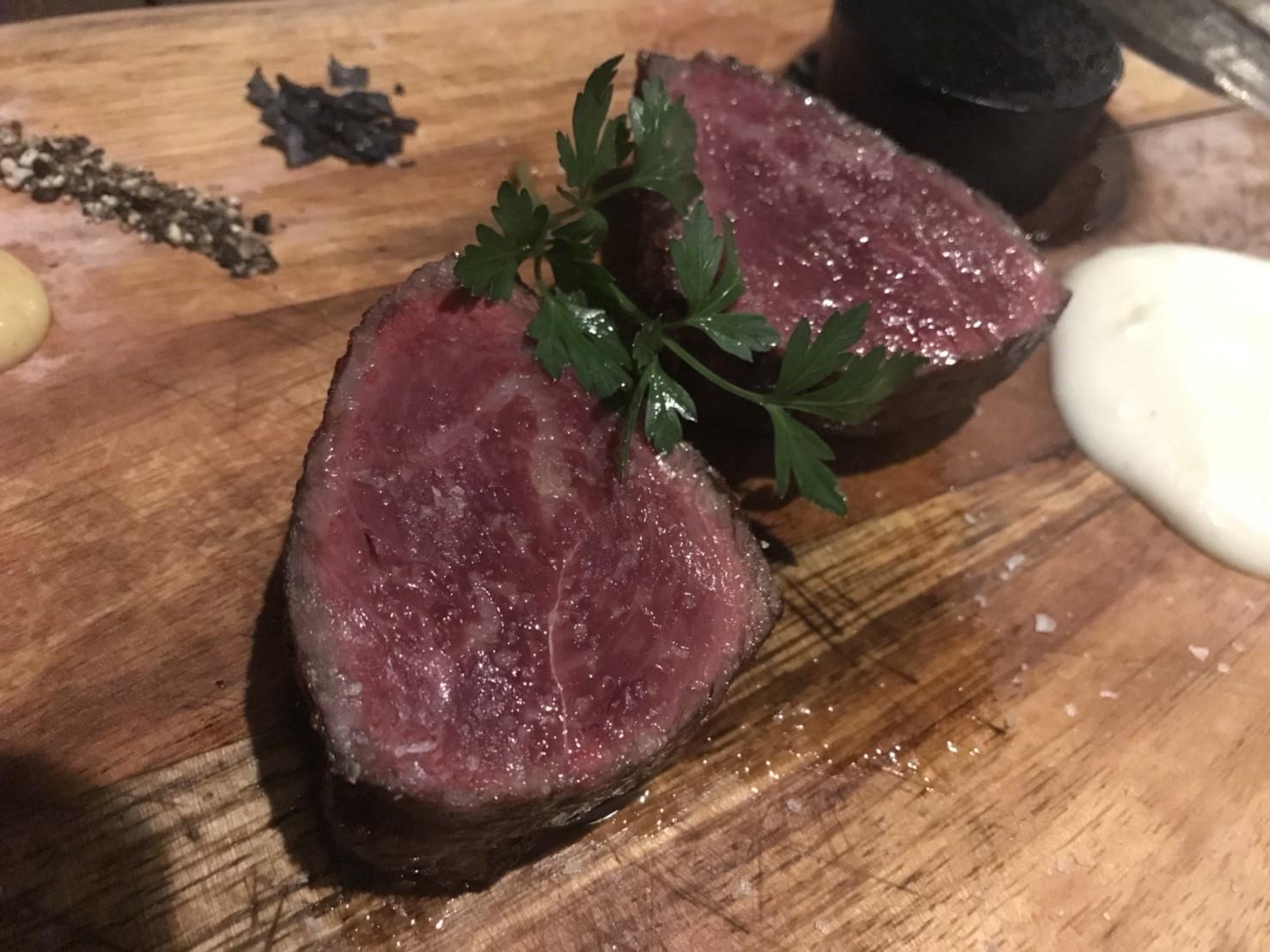 栄|上質な赤身肉にイタリアトスカーナ料理が味わえるバル