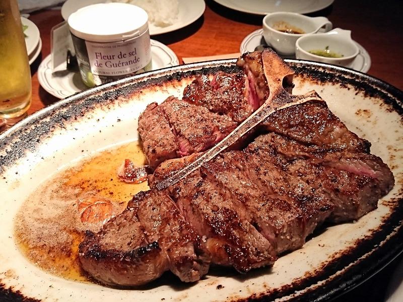 名駅|肉好き必見!肉汁溢れる人気のステーキ店といえば?