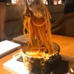 栄|炭火焼とも鉄板焼とも、一味違う!注目の焼き方「薪焼き」料理の魅力に迫る!