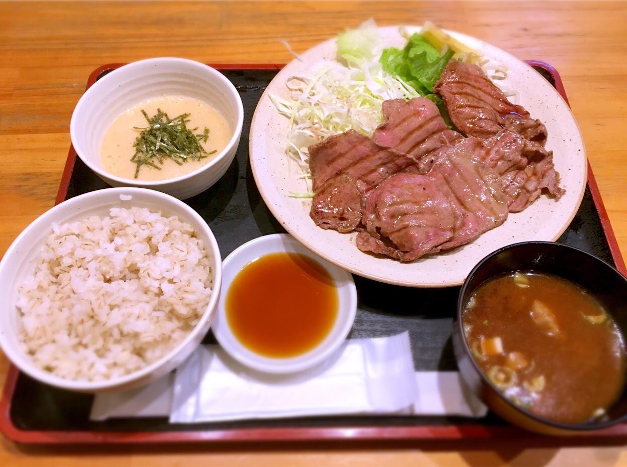 矢場町|路地裏なのに行列ができる最強肉料理の定食屋さん