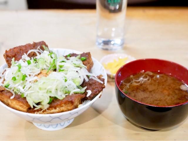 栄|創業から70年以上地元の人に愛され続ける、名古屋めしの定食屋さん
