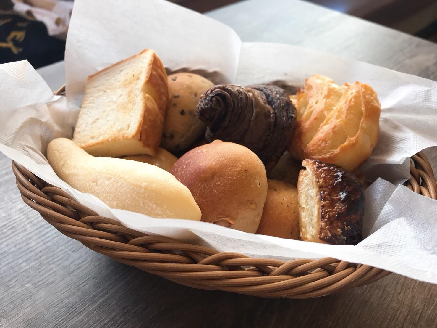 植田|パン好きにはたまらない!焼きたてパン食べ放題付きランチ♪