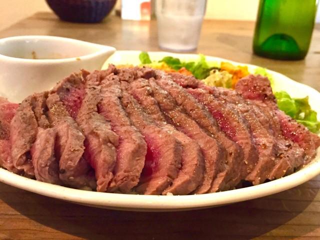 尾頭橋|お値打ちカフェランチでランプ肉を味わいたいならココ!