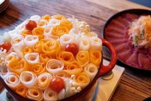 伏見|新鮮マグロを世界各国の味で味わえる!マグロン花鍋が話題のマグロ料理専門バル