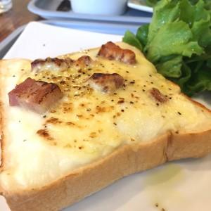 中村日赤|小麦の香りと甘みが際立つふわふわ高級生食パンを味わえる専門店