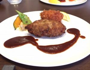 茶屋ヶ坂|あふれる肉汁で旨味を逃さないハンバーグが売りの洋食店